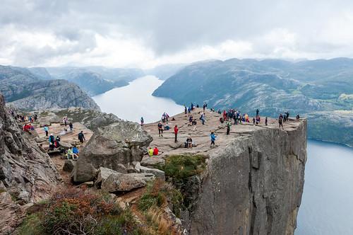 Norvegia,lysefjord dal pulpito Preikestolen by meteomike