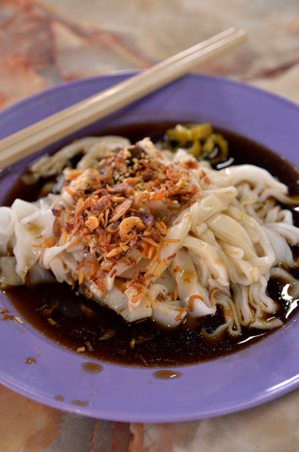 Chee Cheong Fun with Mushroom Sauce