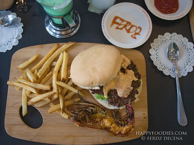 Premium burger at Php 925