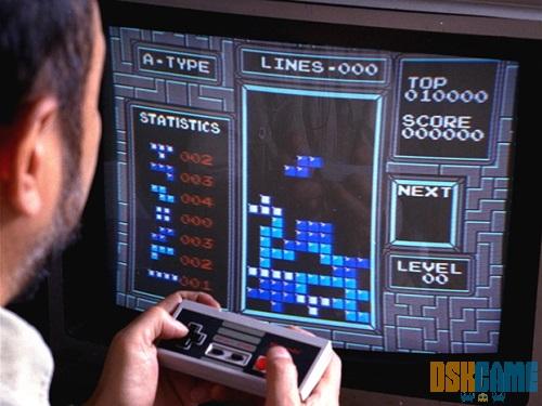 Jugando a Tetris en la NES
