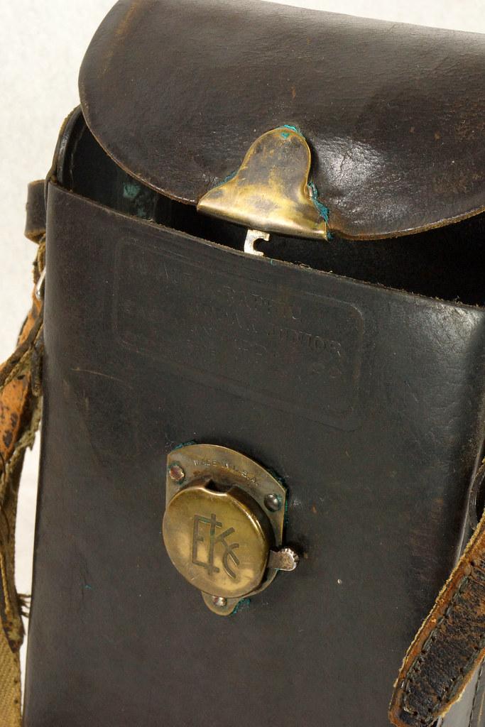 RD14615 Vintage Kodak Hawkeye No 2A Model B Folding Cartridge Camera with Leather Carry Case DSC06538