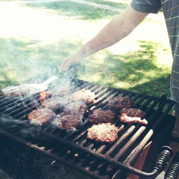 Burgers with the fam at the park. #fathersday