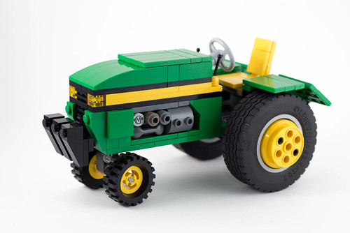 LEGO John Deere Tractor by Carlmerriam