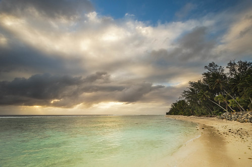sunset sea seascape clouds nikon wideangle nopeople lagoon palmtrees cookislands rarotonga colourimage leefilters 1024mm d7000 phottixgeoone lee12gndsoft