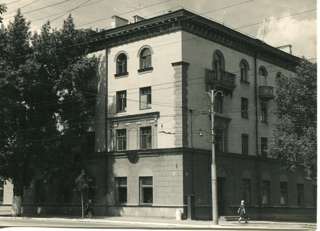 52_Жилой дом Горгаза на Самарской улице_арх Ларионов В.А