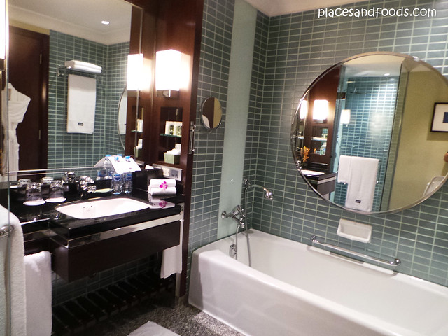 westin grande sukhumvit hotel bathroom