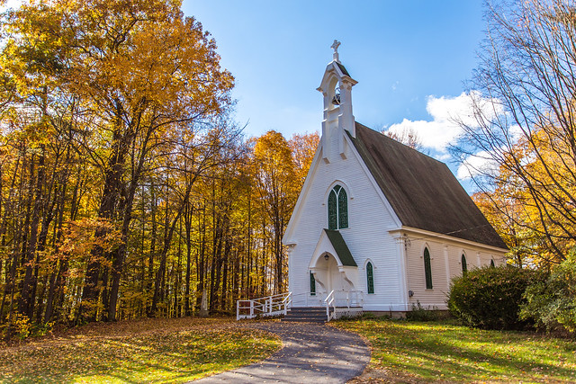 Pretty white church near Brandon, Vermont