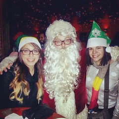 Spirits & Suds with Santa makes a stop #eastpassyunk #cantina @cantinaphilly #holiday #bar crawl