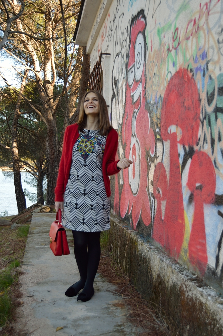 lara-vazquez-madlula-style-chic-fashion-blogger-geometric-dress-lanvin-inspiration