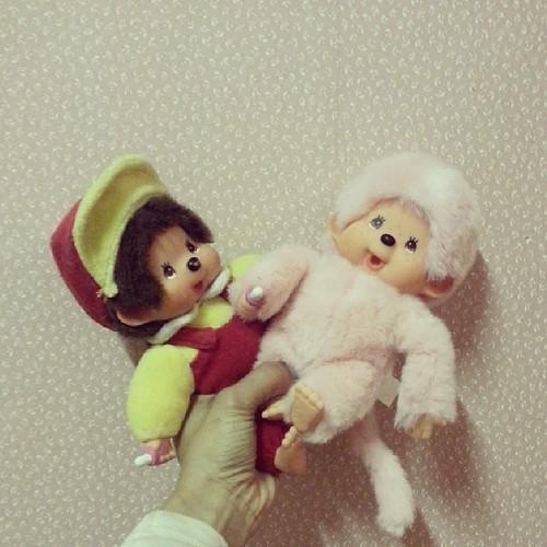 ★ le père Noël a apporter deux kiki dont un rose ★ #kiki #moncchichi #kawai #vintage #vintagetoy #ourlittlefamily #france