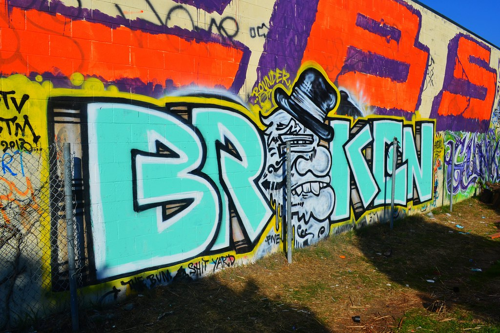 BROKEN, OLD CROW, Graffiti, Street Art, Oakland, PTV, STM, Bum Shit, Punks Thugs and Vandals