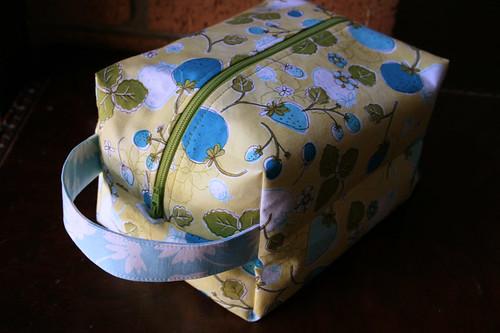 boxy pouch 1