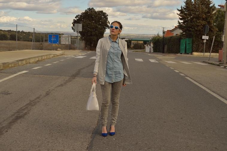 lara-vazquez-madlula-blog-blue-grey-outfit-