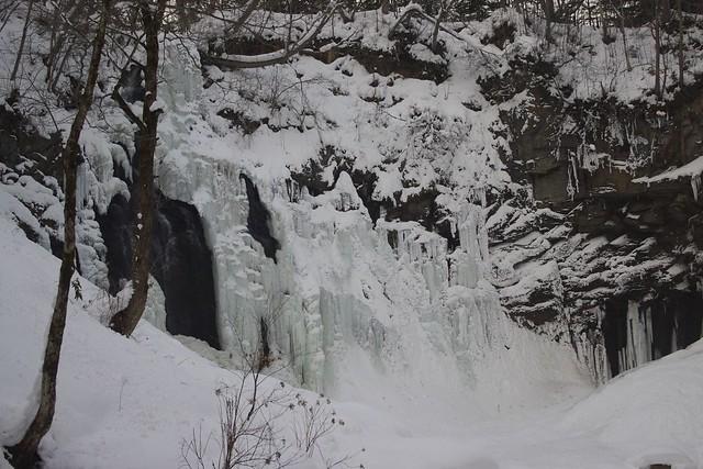 アシリベツの滝-3