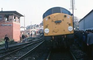 Devon 40s - 40 081 & 40 083