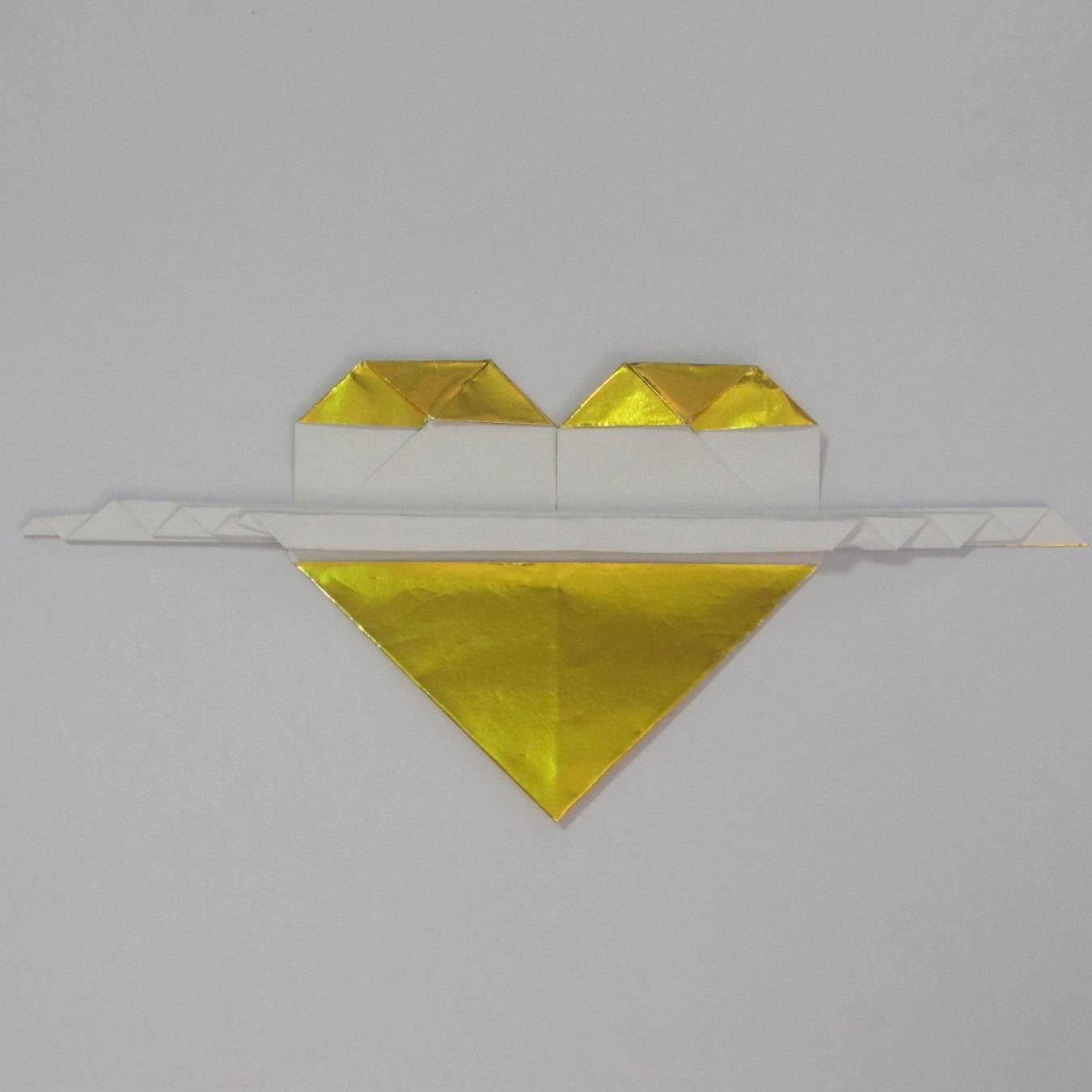 วิธีพับกระดาษเป็นรูปหัวใจติดปีก (Heart Wing Origami) 024