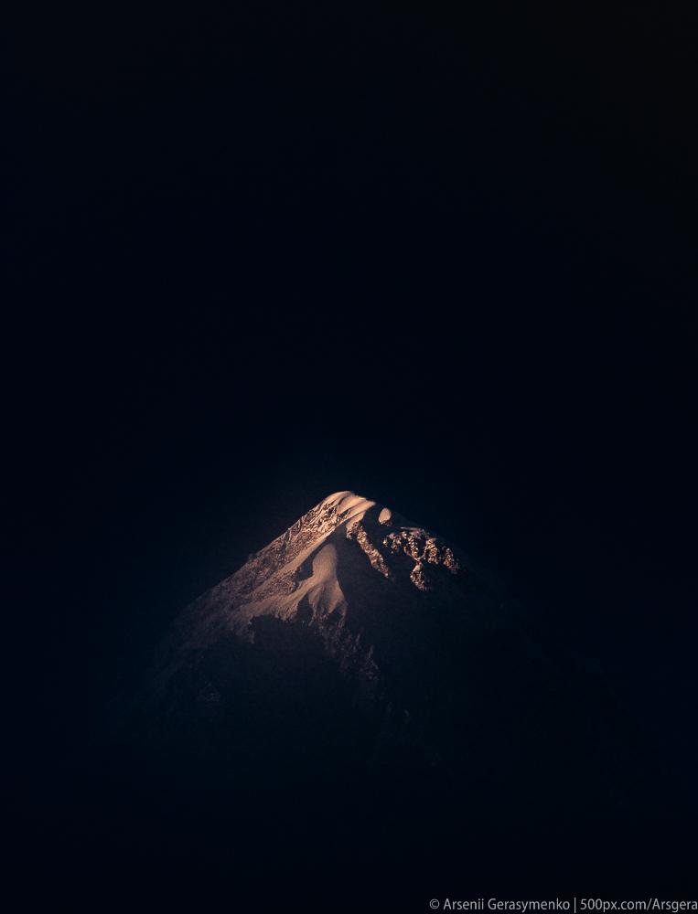 The last beam touching Pumori peak (7161m)