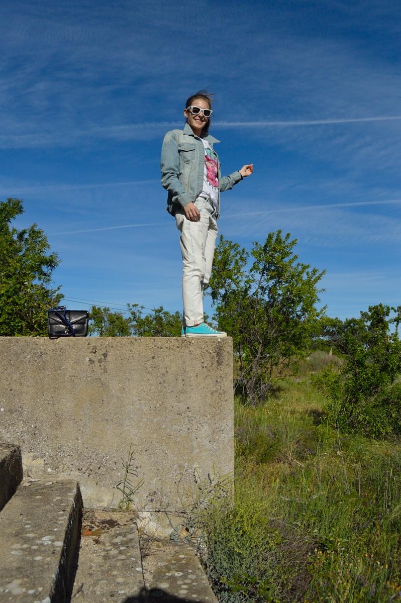 lara-vazquez-madlula-blog-fashion-trends-white-blue-sport