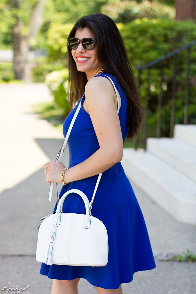 little cobalt dress, white bag-6.jpg