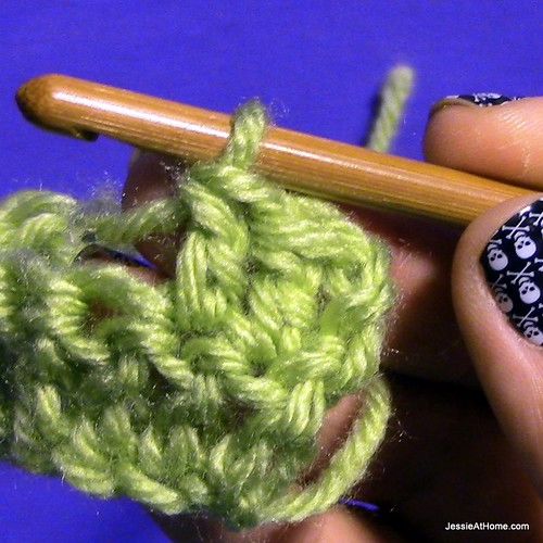 Stitchopedia-Getting-Started-Double-Crochet-8