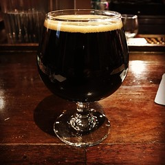 World Wide Stout at #dogfishhead brewery Falls Church. An incredibly complex stout with heavy malty flavors and bold cocoa, caramel, and raisin  notes on the finish. An exceptional #beer and one of my favorites from Dogfish Head. Doesn't hurt that it's 18