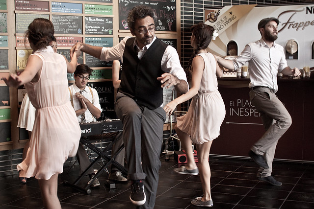 Lindy Hop y swing en el mercado de San Antón