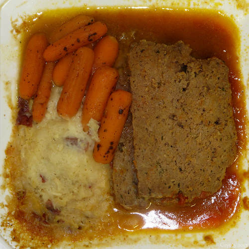 Stop & Shop traditional meatloaf prepared dinner by Coyoty