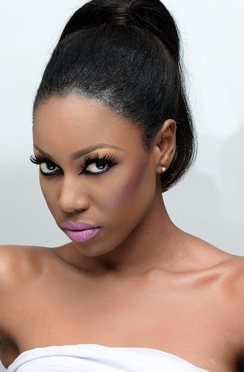 Yvonne Nelson - zaron 3