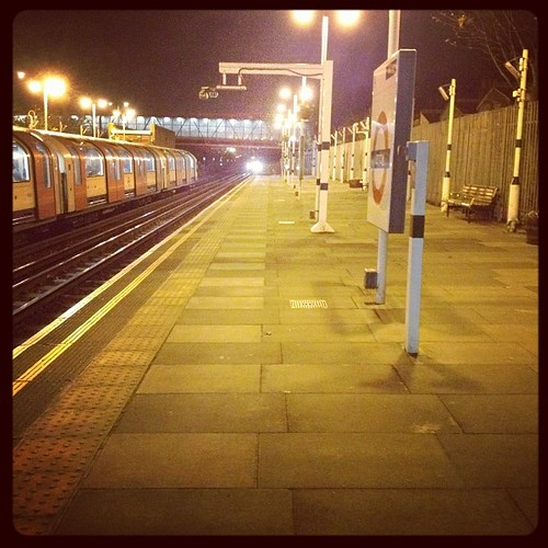 Waiting for the train to work on an empty platform #nightshift