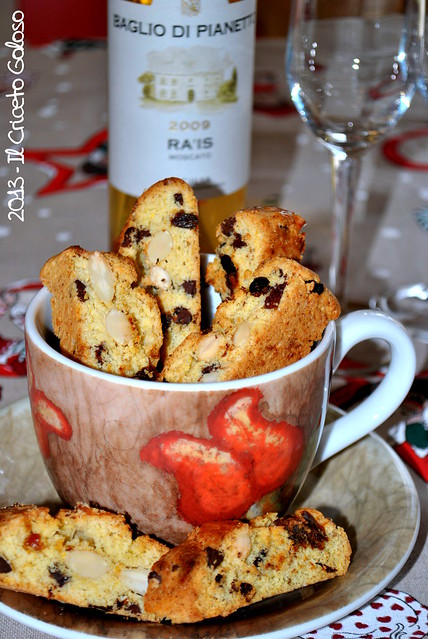 Biscotti con datteri, cioccolata fondente e mandorle (28)