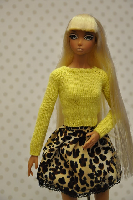 Yellow sweater for Nippon Misaki