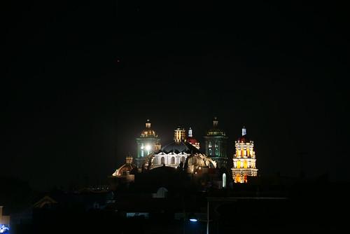 iglesias de puebla de noche