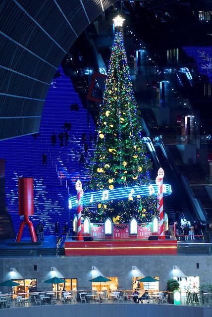 京都駅のクリスマスツリー/Christmas tree of Kyoto Station
