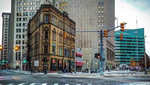 Detroit's little flatiron building DSCF3639pmp