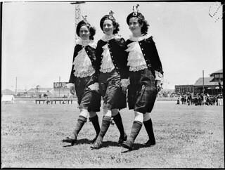 Highland Gathering, New Year's Day, Sydney Showground, 1 January 1937 / photographer Sam Hood