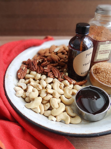 maple vanilla cinnamon mixed nuts