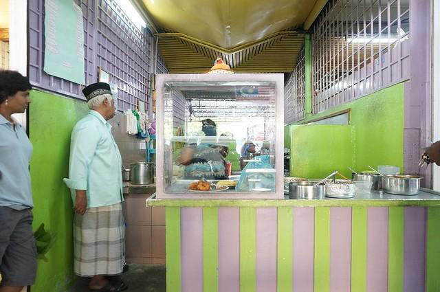 Halal breakfast in Penang Astaka Taman Tun Sardon-032