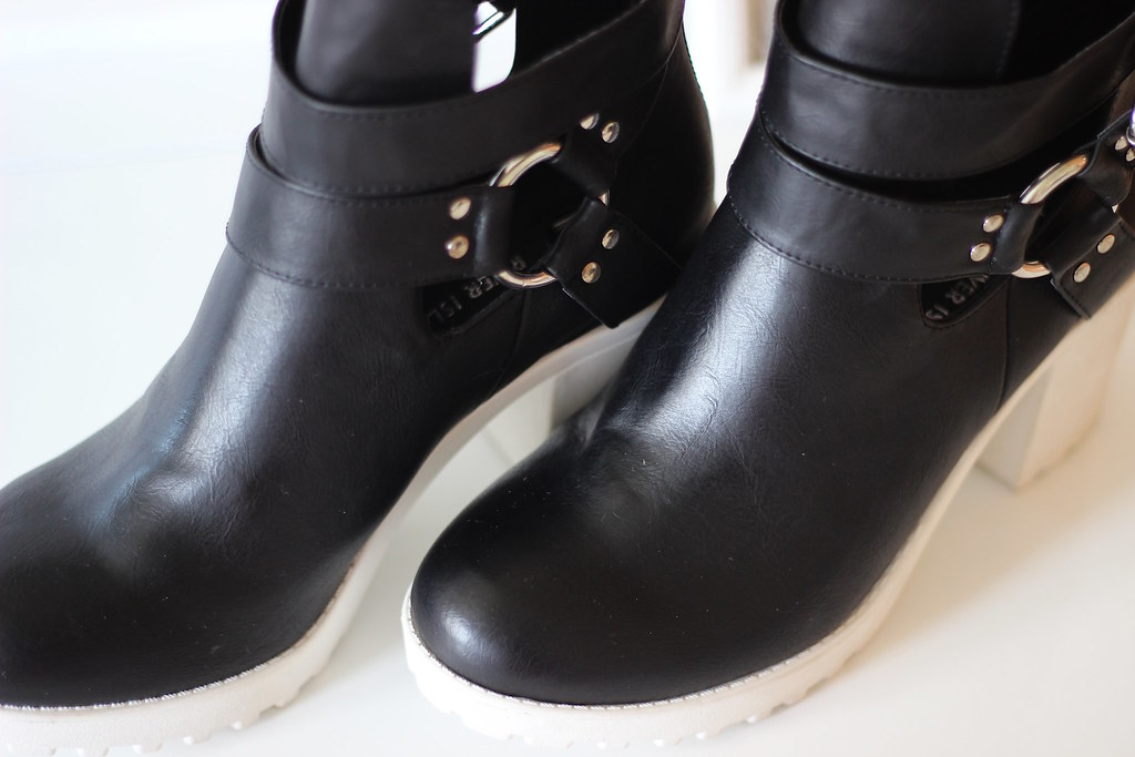 3riverisland boots, river island, high street, fashion, boots, accessories, shoes, white block heel, style