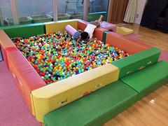 子育て支援センターのボールプールが期間限定で2倍の面積に!