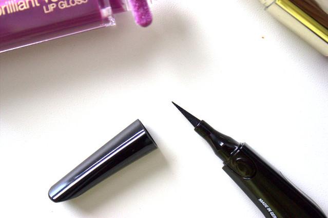 Milani Eye Tech Perfection Liquid Liner applicator