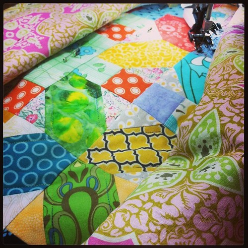 Quilting the X & + quilt while watching marathon Antiques Roadshow! #xandplusquilt #quilting