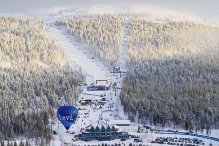 """SP v alpském lyžování: Levi - první letošní """"zickzack"""" na finské ledové hoře"""