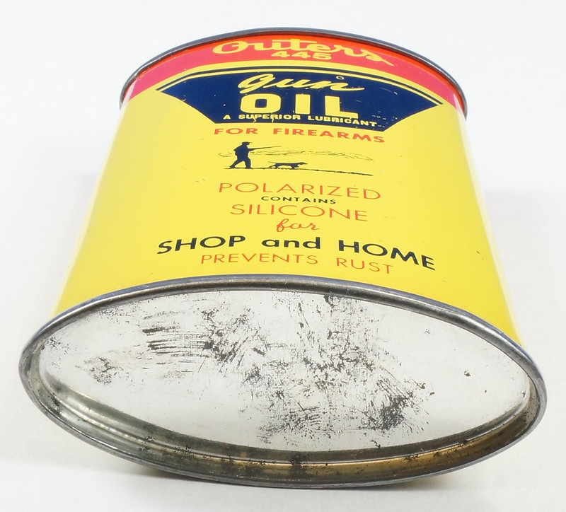 RD14571 Outers 445 Gun Oil Tin 3 oz Lead Top Yellow Oiler Collectible Vintage Oil Can DSC06873
