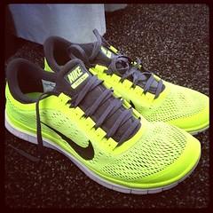 outdoor shoe, sneakers, footwear, white, nike free, shoe, green, athletic shoe,