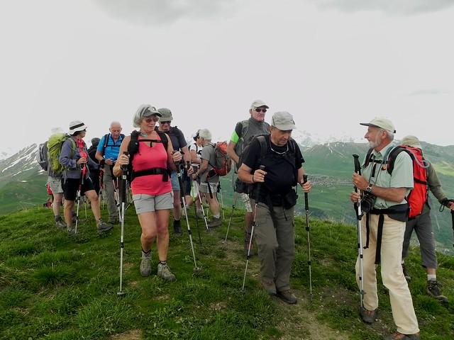 Arrivée du Groupe 1 au sommet du Mont Charvin 2200m d'altitude