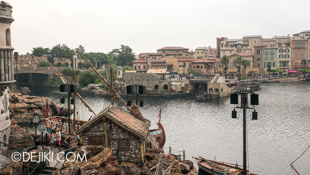 Tokyo DisneySea - Mediterranean Harbor / Fortress Explorations / The Harbor beyond