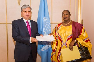 NEW PERMANENT REPRESENTATIVE OF MALI PRESENTS CREDENTIALS TO DIRECTOR-GENERAL OF UNITED NATIONS OFFICE AT GENEVA