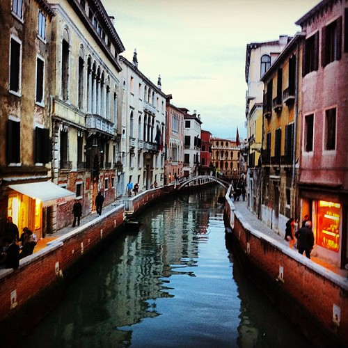Another view I had while crossing one of the canals in Venice. It's as if anywhere I look, the scenery is beautiful.