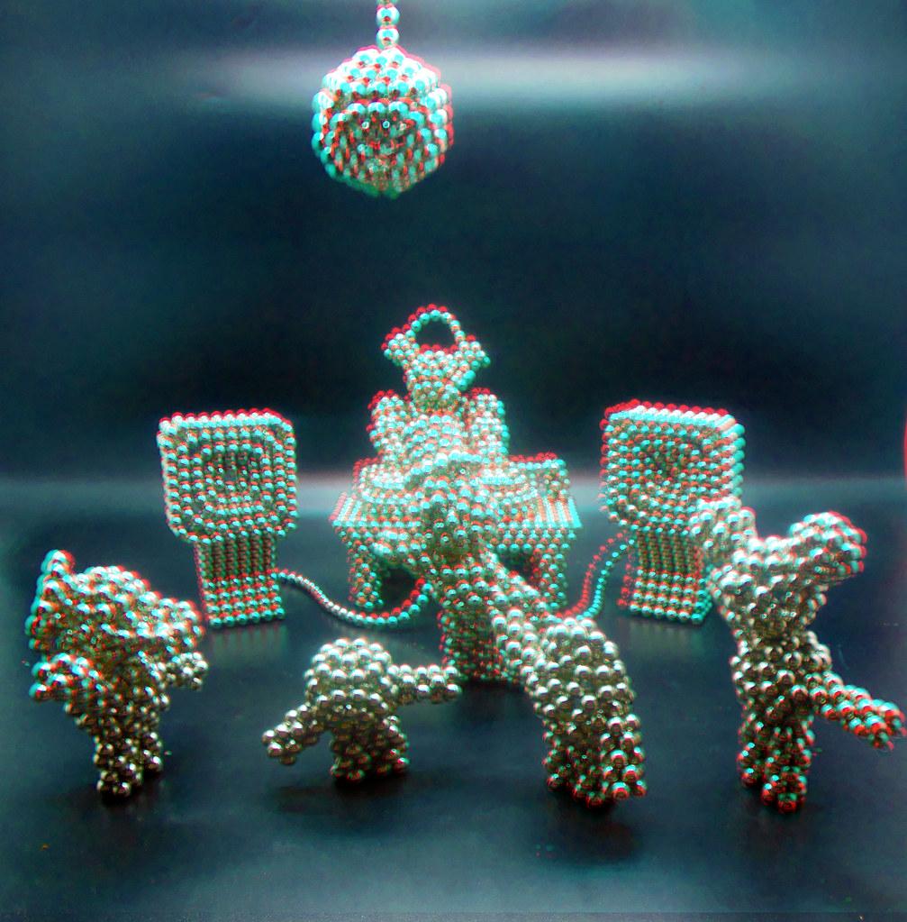 Penta-Bot-plays-DJ-4-in-3D
