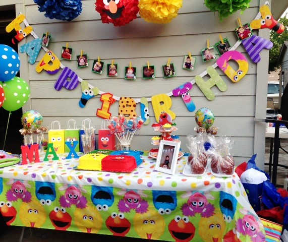 Sesame Street Party Cake Table